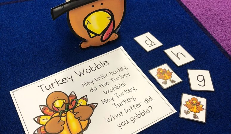 Thanksgiving Projects, Crafts, and a Fun Freebie